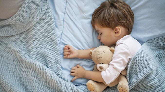 5 rituels à adopter pour aider votre enfant à dormir
